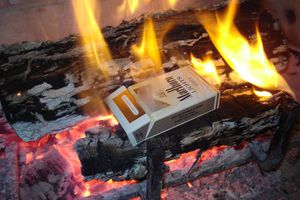 cigarettes in flames for Spanish lesson on emotions