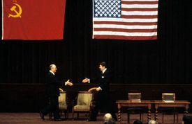 US President Reagan and Soviet president Gorbachev shake hands