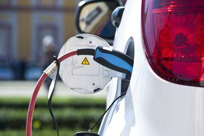How Does Regenerative Braking in Hybrid Cars Work