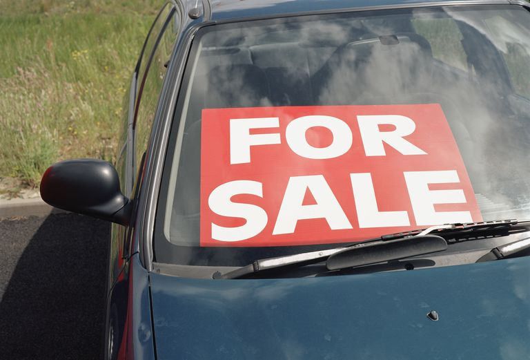 should you trade in your old car or sell it yourself