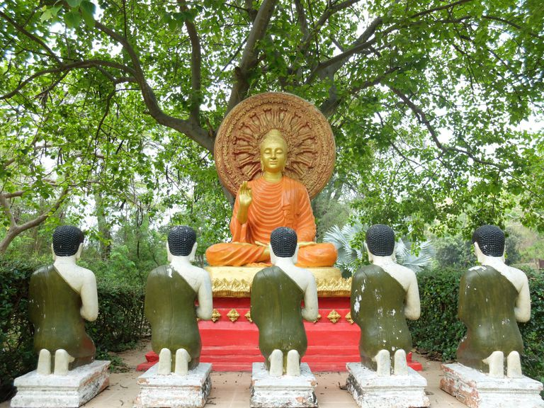 later statues of buddha emphasized