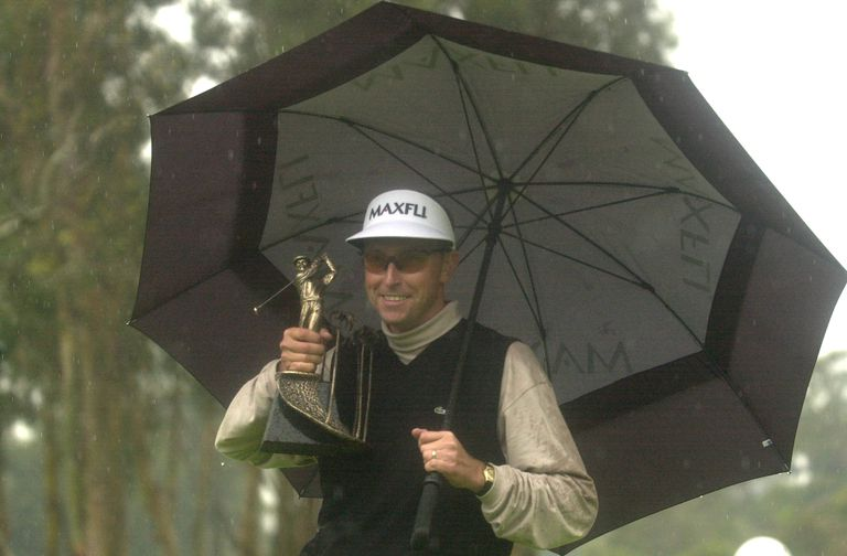 Robert Allenby holds the trophy at Riviera C.C. after the final round of the 2001 Nissan Open