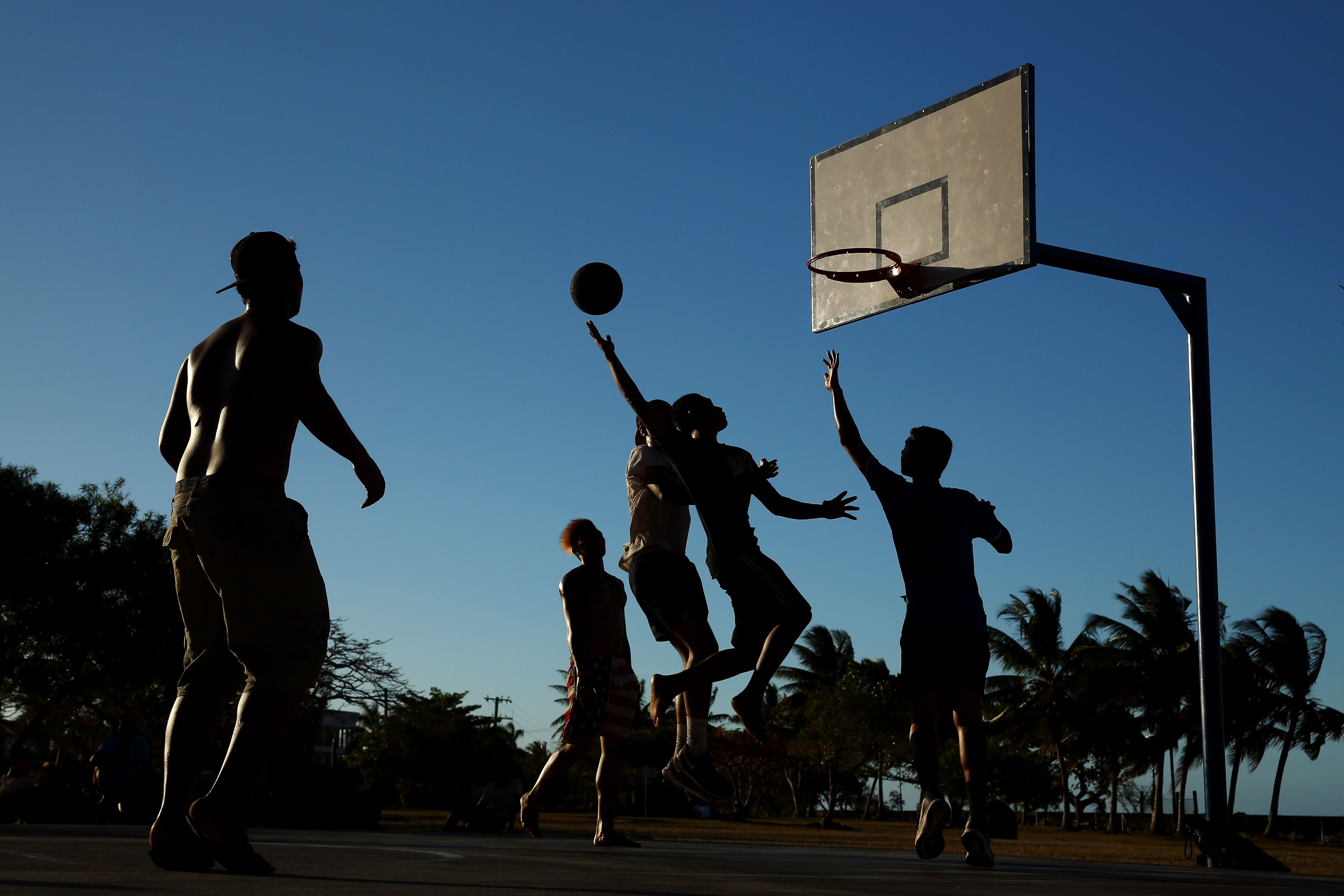 essay practicing basketball Basketball court miraculously the ball finds its way into the hoop, with 6 seconds left and the clock stopped writework contributors, descriptive essay : playing basketball, writeworkcom, https.