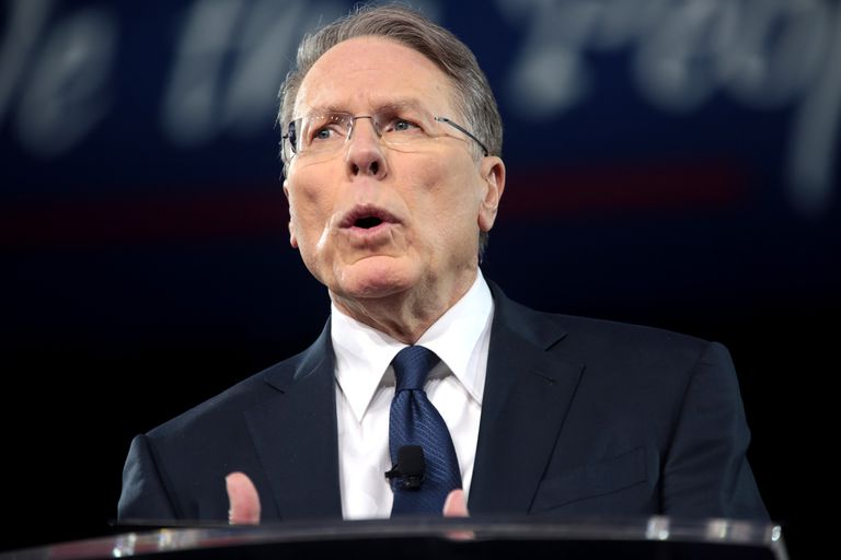 Wayne LaPierre speaking at an event.