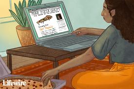 Person writing a pizza blog at Blogger.com
