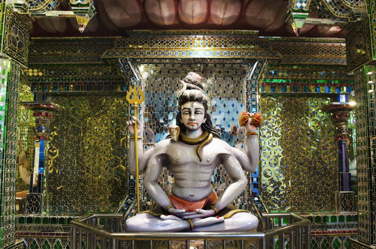 Captivating idol of the Hindu Lord Shiva
