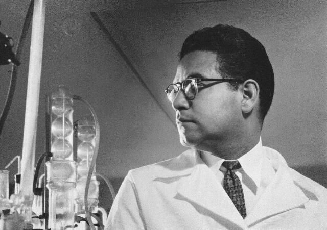 Luis Miramontes in a laboratory