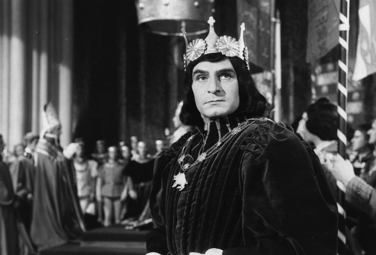 Sir Laurence Olivier in costume as Richard III