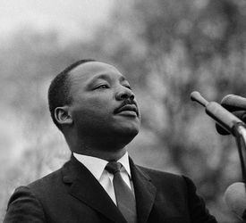 Resume biography martin luther king video and computer games essay