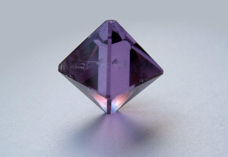 Purple chrome alum or chromium alum crystal
