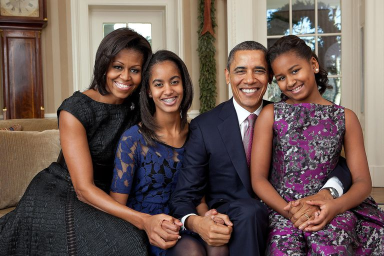 Michelle Obama, Malia Obama, President Barack Obama, Sasha Obama family portrait in the Oval Office