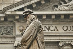 Sculpture of Leonardo Da Vinci at the Scala Square in Milan, Italy