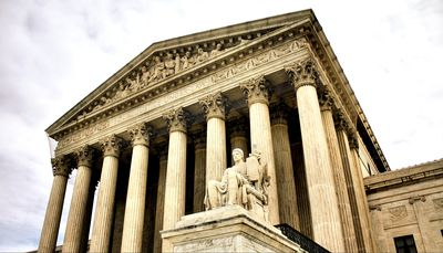 history court cases 10 bizarre historical court cases that were actually important radu alexander december 25, 2015 share 77 stumble  aspect of the law that is now a cornerstone of the judicial system, there was once a first one seemingly unimportant court case came along, set a new precedent, and changed the law forever  radu is a history.