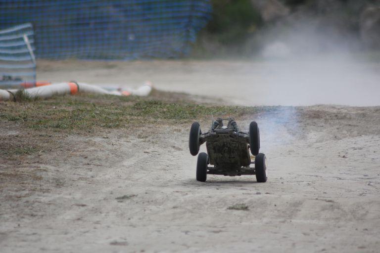 Nitro 1/8 RC Car 4wd Wheelie