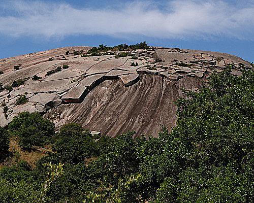 Rock domes peel off in shells