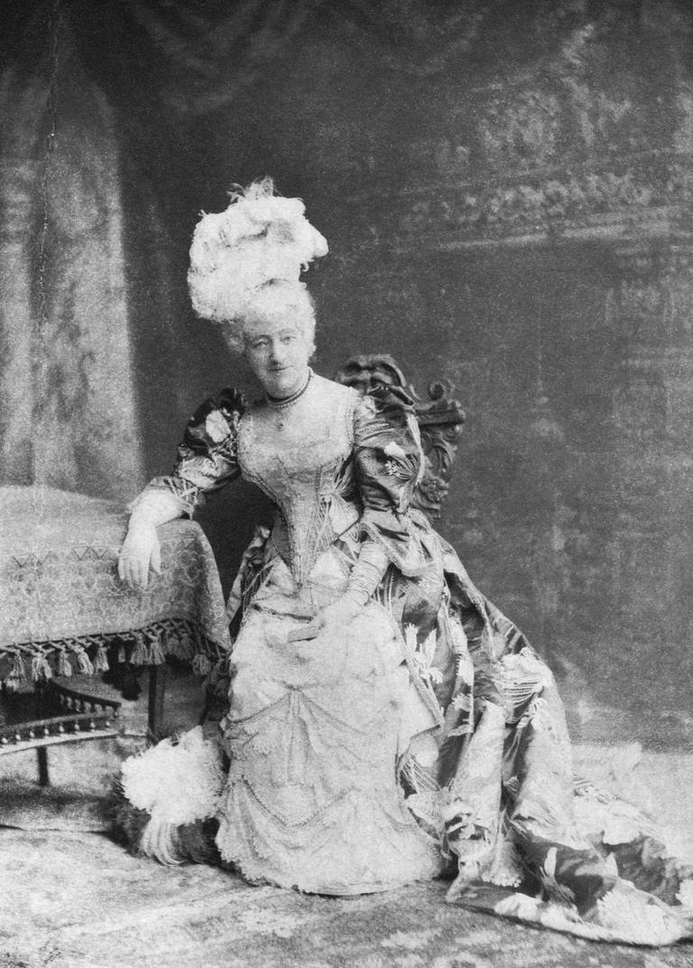 Actress Louisa Drew in costume as Mrs. Malaprop