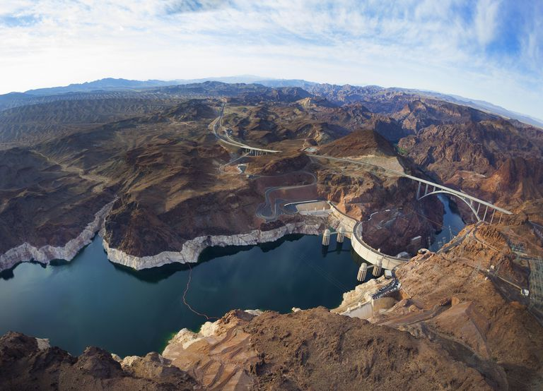 View of Lake Mead and Hoover dam, horizontal