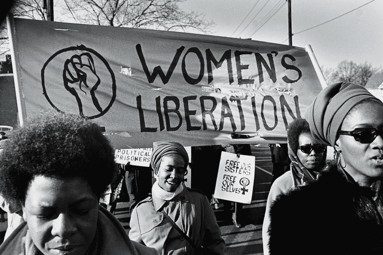 Marchers with Women's Liberation banner