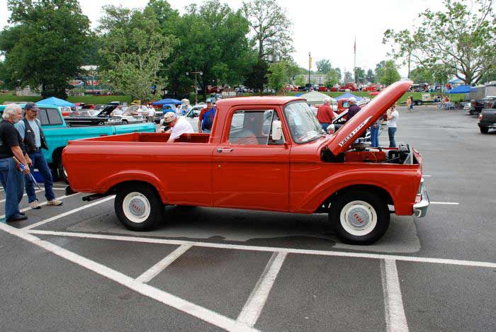 1961 Ford F-100 Truck