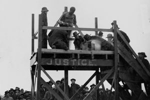 Photograph of lynching of Henry Smith in 1893
