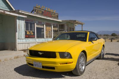 how to replace a fuse in your 2005 2009 ford mustang 2006 ford mustang gt
