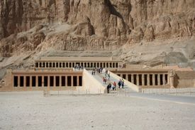 People walking in and out of Queen Hatshetsup's temple.