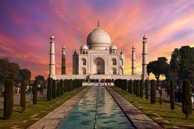 Sunrise at Taj Mahal, Agra.