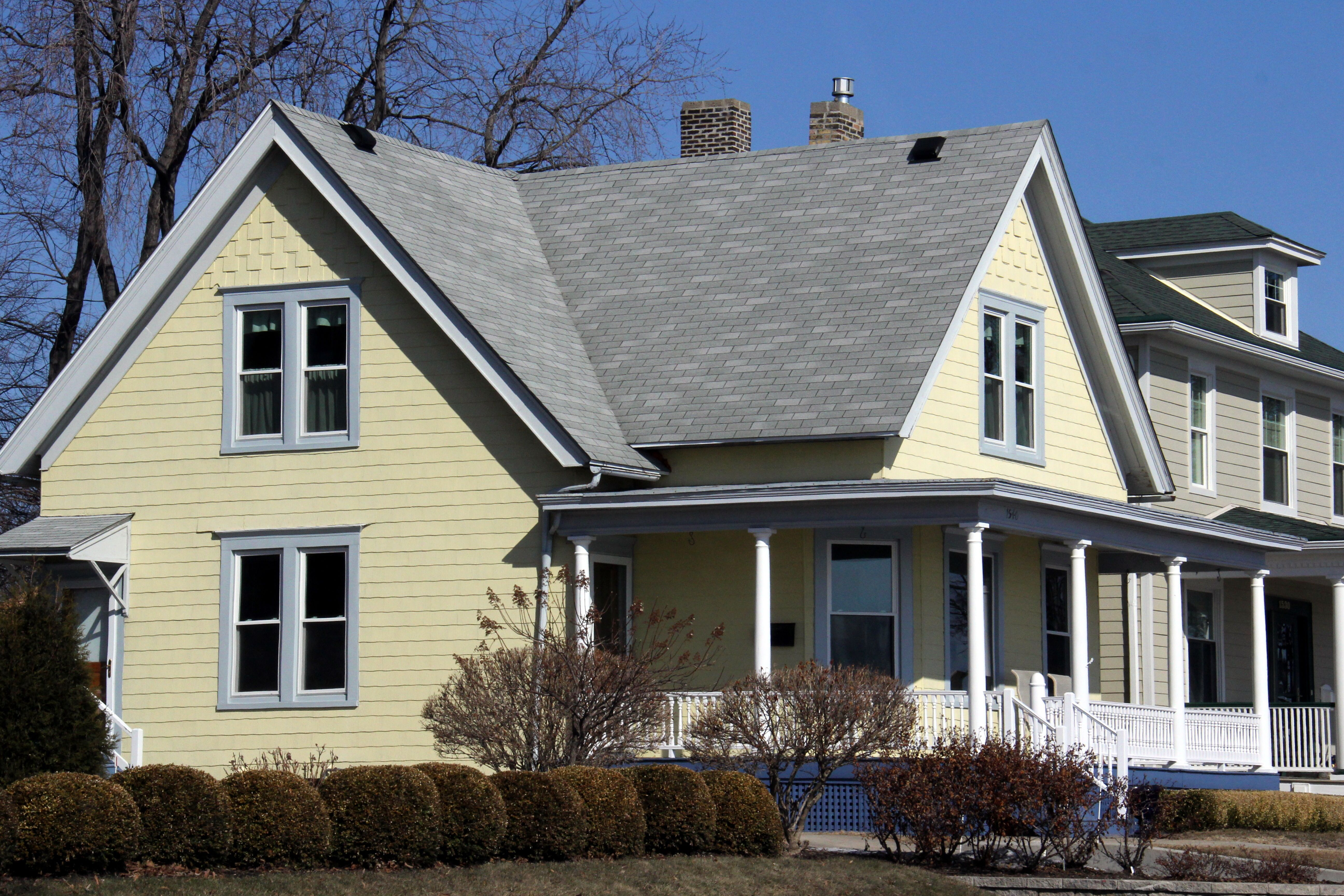 Awesome Gray House White Trim