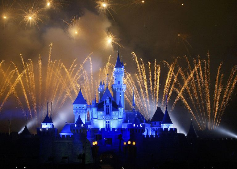 Geography and facts on disney theme parks disneyland to open in hong kong freerunsca