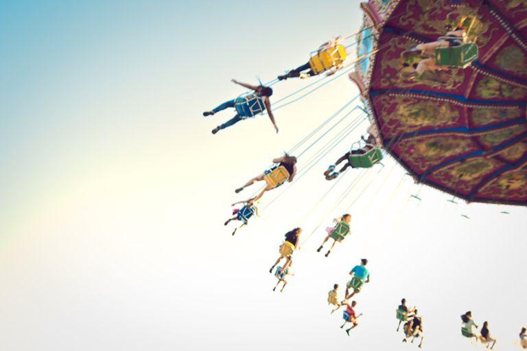 Swing or chain carousel
