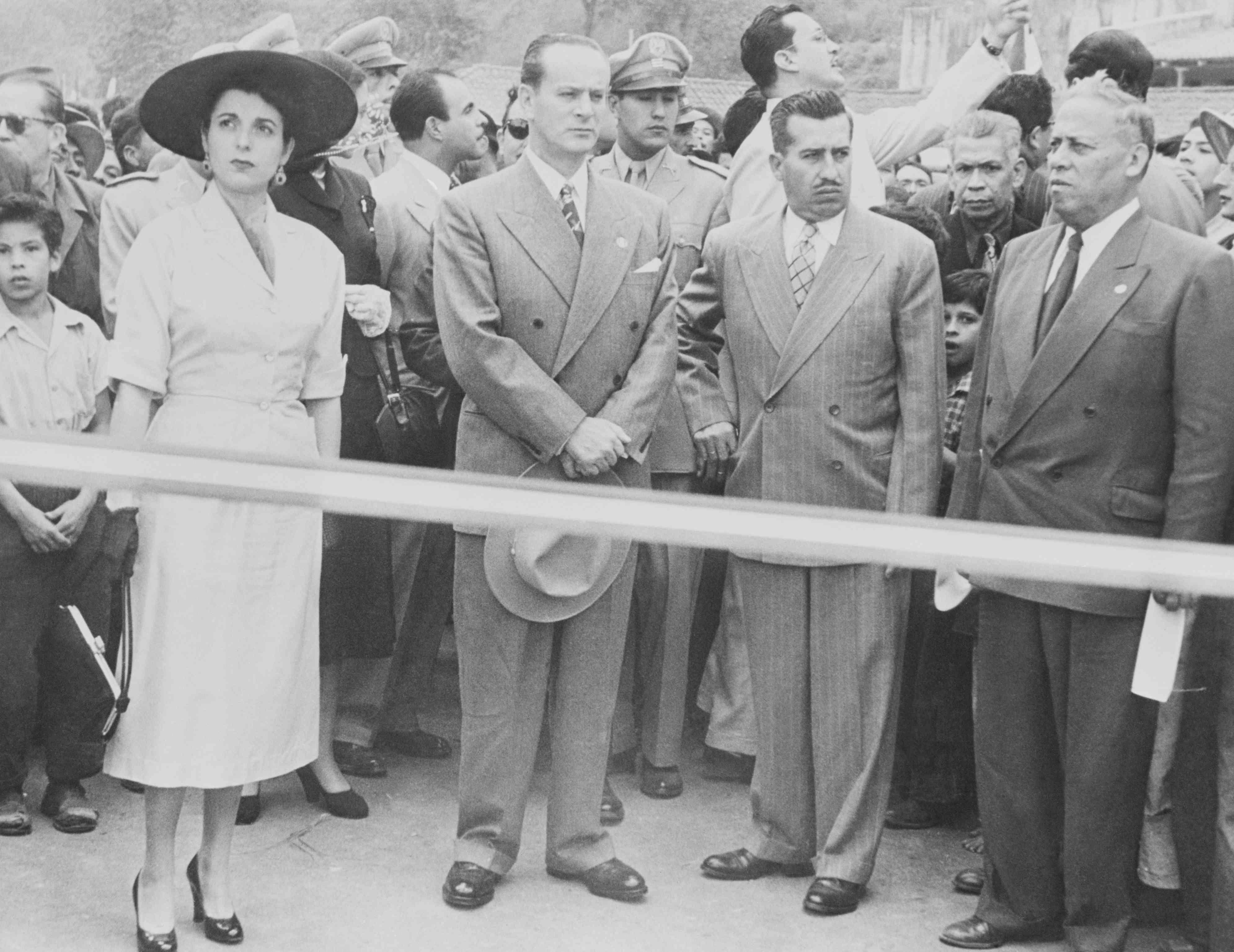 El presidente guatemalteco Jacobo Arbenz y sus asociados después del golpe de Estado respaldado por Estados Unidos, 1954