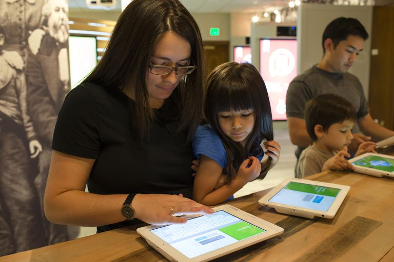 The Family Discovery Center in Salt Lake City offers families a unique and highly interactive experience coupling their family history on FamilySearch.org with the latest computer technology and mobile devices.