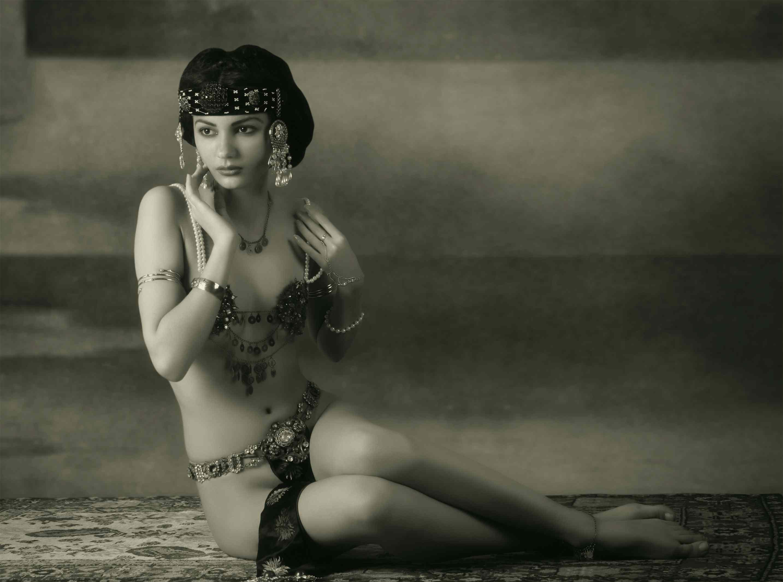 Mata Hari - Dutch exotic dancer, courtesan, and accused spy