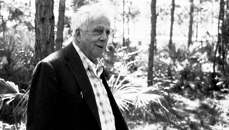 Robert Frost outdoors in Miami, 1958