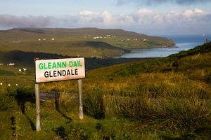 Gaelic and English road sign