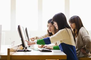 University students use computer