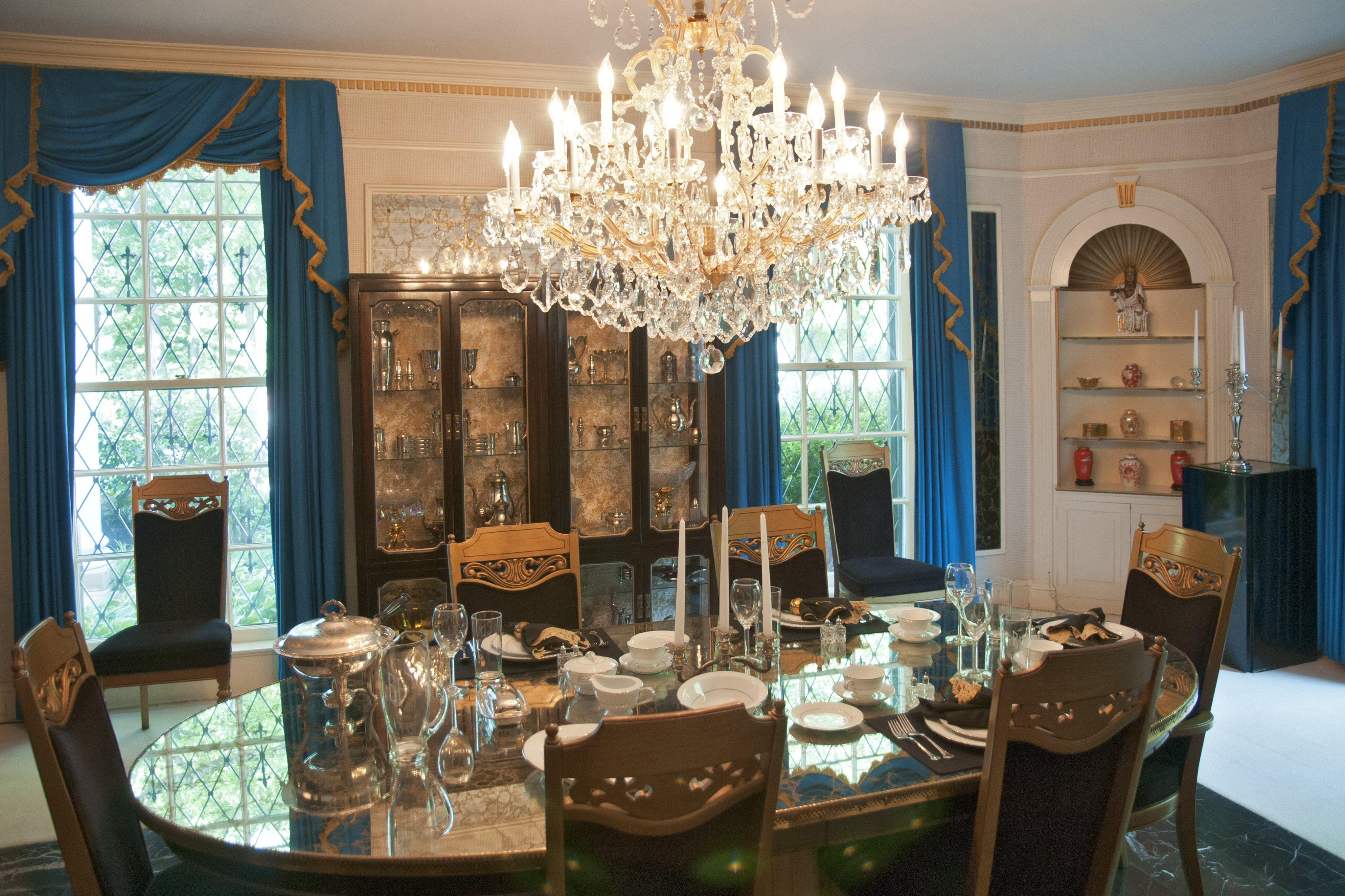 A Look at Graceland Mansion, Home of Elvis