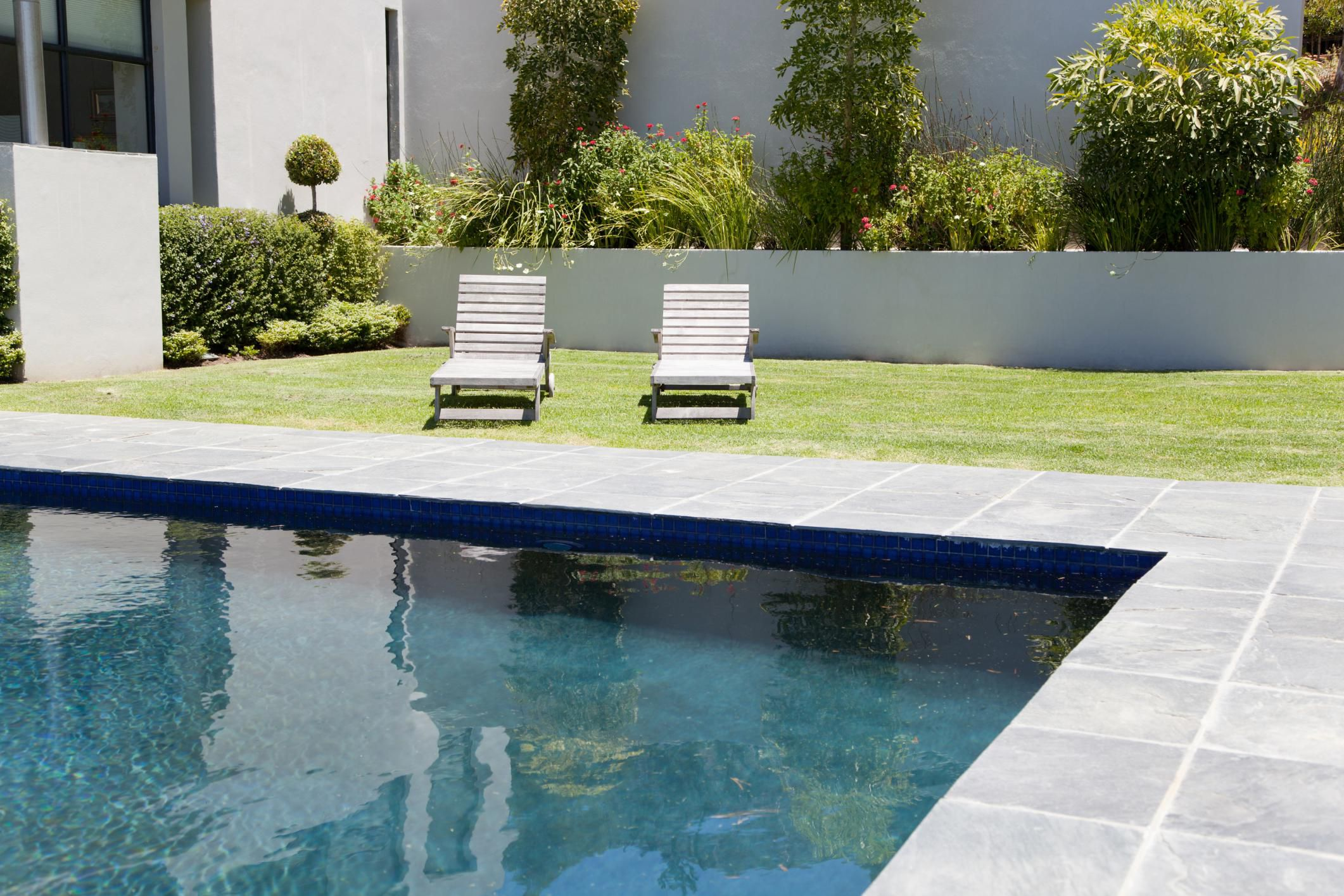 How To Stop A Swimming Pool Leak