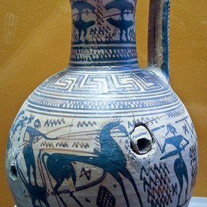Período geométrico tardío Oinochoe con escena de batalla.  750-725 a. C.
