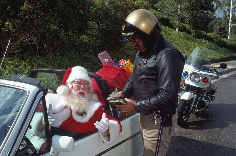 Police officer gives Santa a speeding ticket