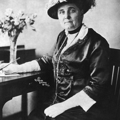 a biography of jane addams a social worker and reformer the founder of the hull house A small listing of the accomplishments of jane addams: - valedictorian, class of 1883, rockford female seminary (now rockford college) - the founding of hull house, one of the original settlement .