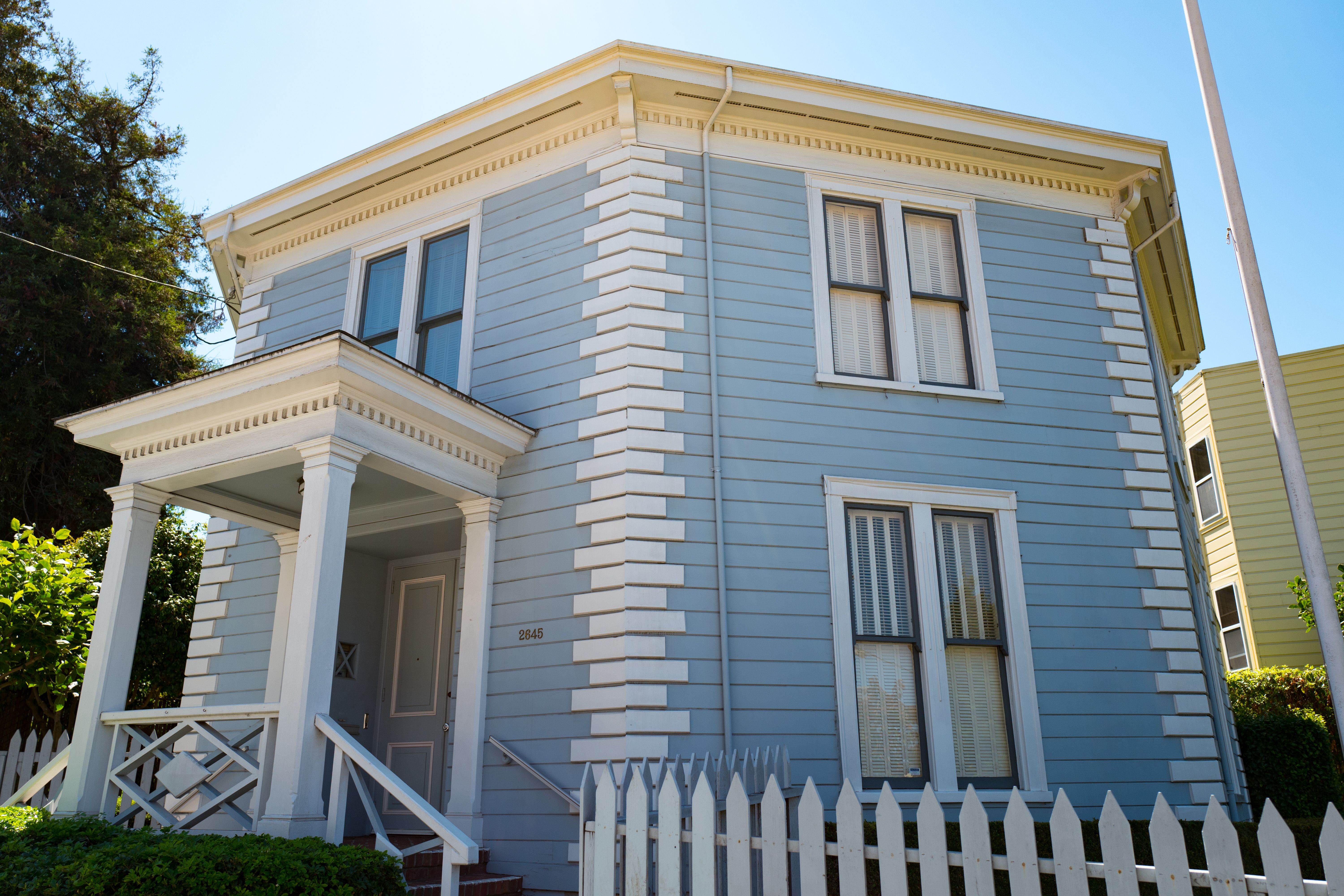 Victorian Style Houses in 19th Century America