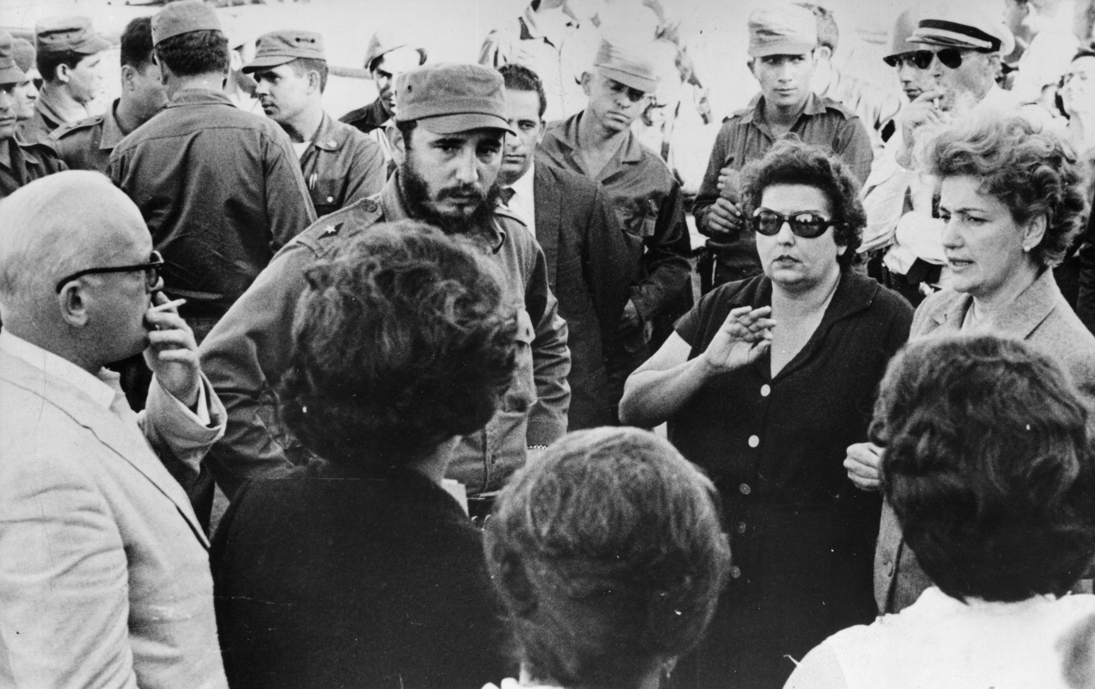 3rd January 1963: Cuban prime minister Fidel Castro talking with parents of some of the American prisoners held hostage for food and supplies by the Cuban government after the abortive emigre invasion at the Bay of Pigs.