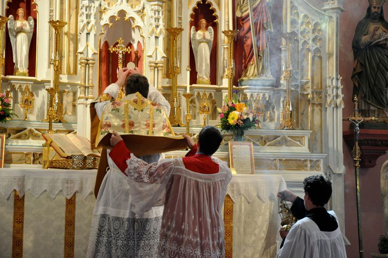 10 Things To Know Before Attending A Latin Mass