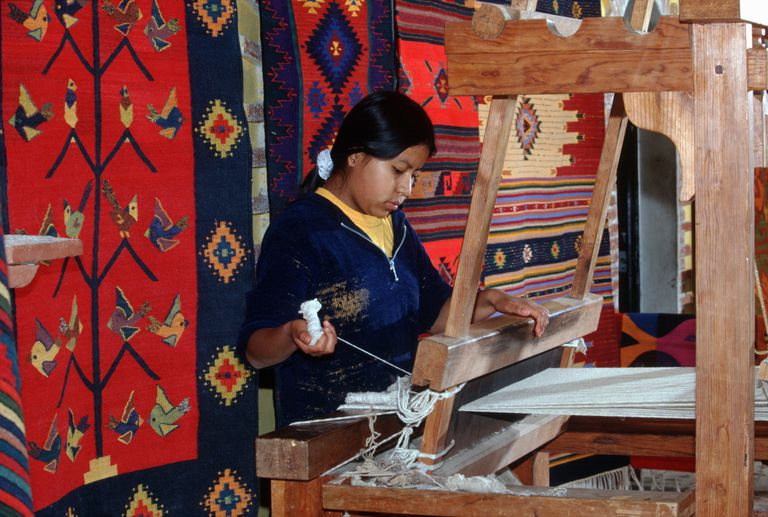 Weaving Zapotec Rugs in Teotitlan del Valle