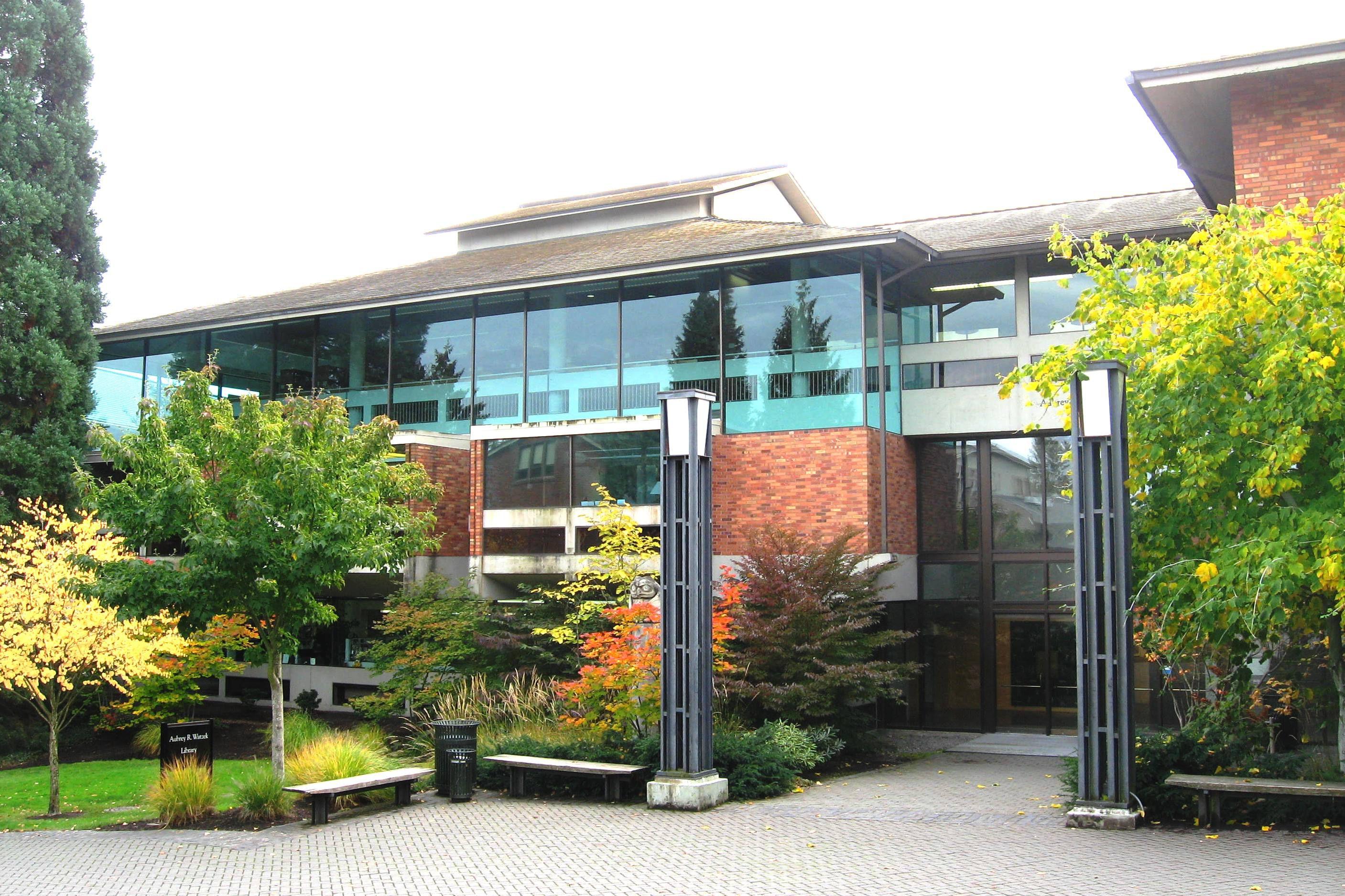 Watzek Library at Lewis & Clark College