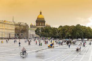 Russia, Saint Petersburg, Summer Garden and St. Isaacs Church