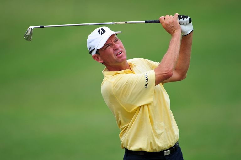 Davis Love III plays in the 2011 PGA Championship tournament