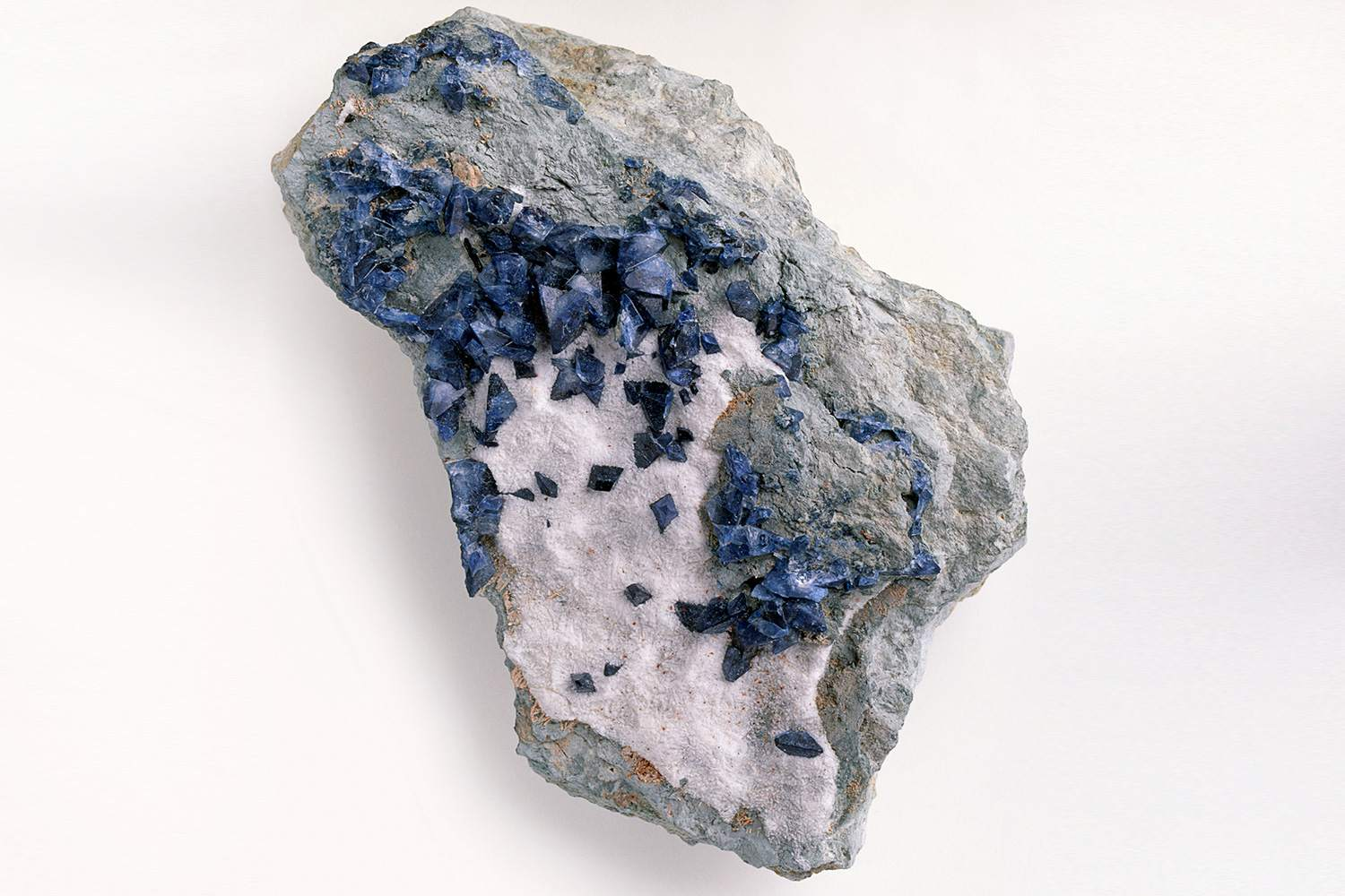 The 12 Most Common Blue, Violet, and Purple Minerals
