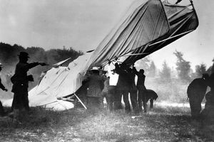A picture of the first fatal airplane crash